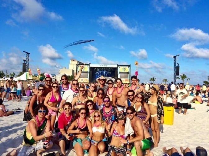 Hangout_Ashley Tran - Coolest USA Music Festivals - A World to Travel